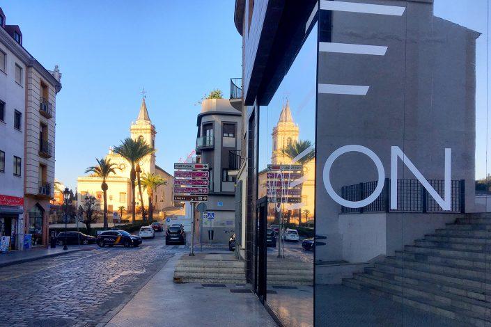 Imagen corporativa-Move On-Gimnasio-Ahaus arquitectos-Antonio Olaya-Huelva-Diseño